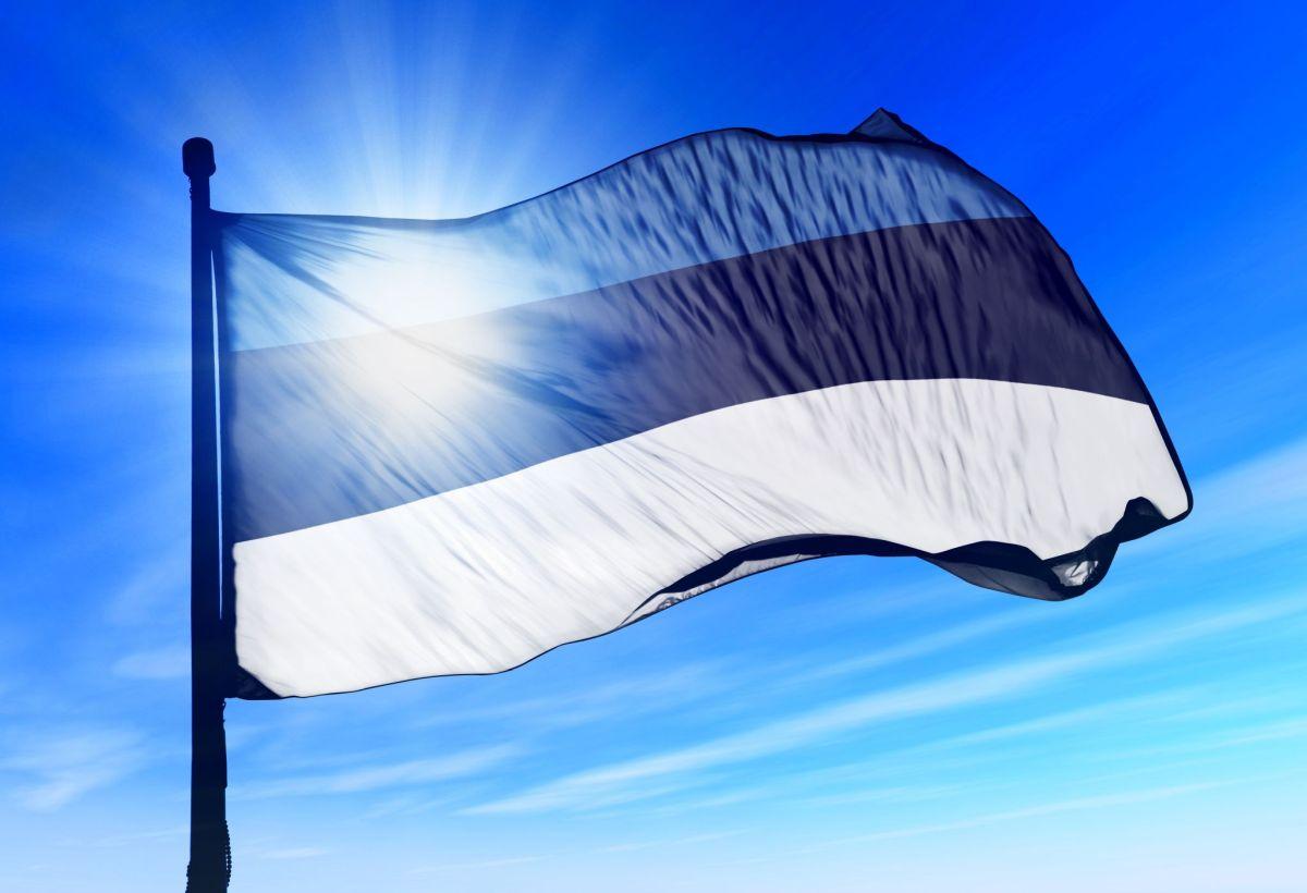 Head Eesti Vabariigi iseseisvuse taastamise päeva!